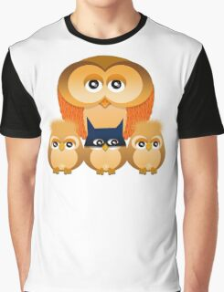 THE OWL FAMILY Graphic T-Shirt