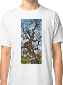 Old tree puzzle Classic T-Shirt