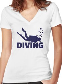 Diving Women's Fitted V-Neck T-Shirt