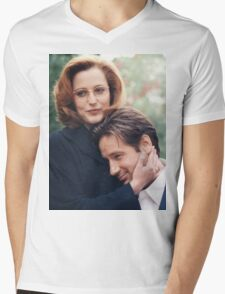 dana scully x files fox mulder Mens V-Neck T-Shirt