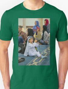 United Arab Emirates. Dubai. Jumeirah Mosque. Young Photographer from China. Unisex T-Shirt