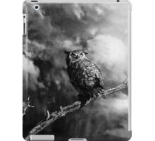Coming Storm - Black/White iPad Case/Skin