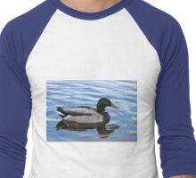 Male Mallard Duck Floating Peacefully  Men's Baseball ¾ T-Shirt