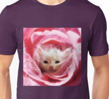 Kitty loves Pink Unisex T-Shirt