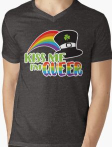 Kiss Me I'm Queer St Patrick's LGBT Pride Mens V-Neck T-Shirt