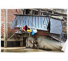 Vietnam: Washing Her Hair Poster
