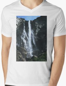 Bridal Veil Falls, Yosemite NP. Mens V-Neck T-Shirt