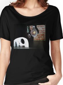 Creepy place to Land Women's Relaxed Fit T-Shirt