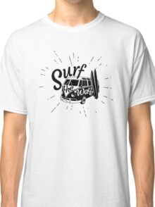Surf the wave retro style Classic T-Shirt