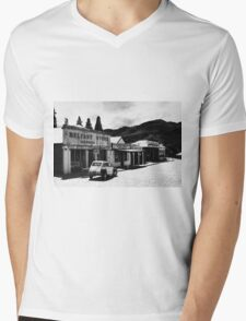 Belfast Store Mens V-Neck T-Shirt