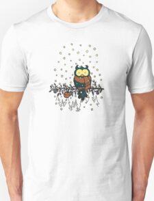 Owl in the snow v2 Unisex T-Shirt