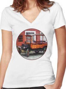 Model T Station Wagon Women's Fitted V-Neck T-Shirt