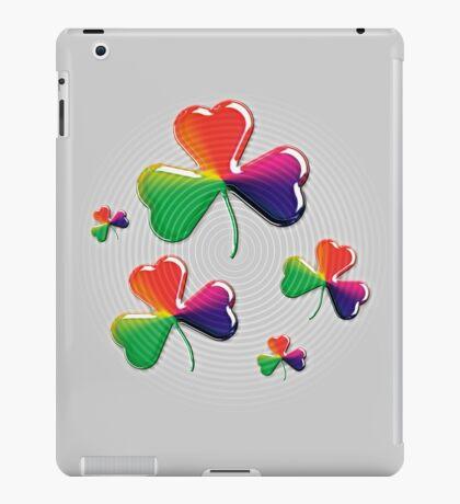 Eerie shamrock: Kiss me - I'm Irish! iPad Case/Skin