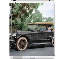 Colorized 1920  Haynes Touring Car in Summer Greens iPad Case/Skin