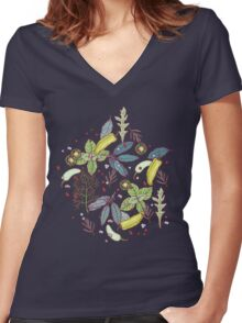 go green in spring! Women's Fitted V-Neck T-Shirt