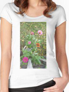Zinnia Flowers Women's Fitted Scoop T-Shirt