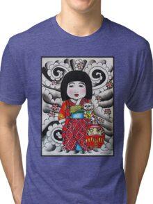 Ichimatsu ningyo, maneki neko and daruma doll  Tri-blend T-Shirt