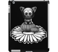 cute kitten and daisy iPad Case/Skin