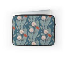 dark pattern with dandelion  Laptop Sleeve