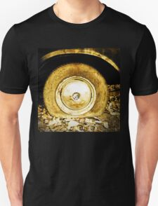 Vintage old wheel of classic car Unisex T-Shirt