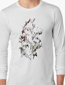 New Zealand flax in bloom Long Sleeve T-Shirt