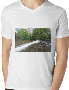 River Wye Weir, Bakewell T-Shirt
