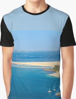 Isolated dream resort in the Maldives, Laccadivian Sea Graphic T-Shirt