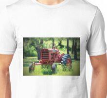 McCormick Farmall Tractor Unisex T-Shirt