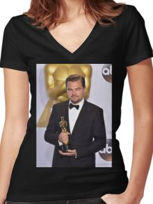 Leonardo DiCaprio with the Oscar (2) Women's Fitted V-Neck T-Shirt