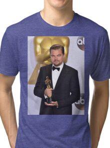Leonardo DiCaprio with the Oscar (2) Tri-blend T-Shirt