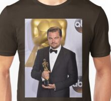 Leonardo DiCaprio with the Oscar (2) Unisex T-Shirt