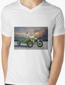 1914 Ford Model T Speedster 'Pass Side' Mens V-Neck T-Shirt