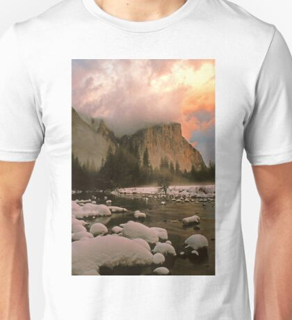 WINTER STORM,EL CAPITAN Unisex T-Shirt