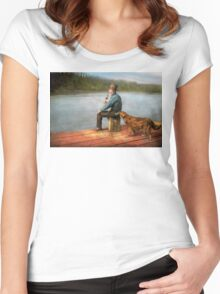 Fishing - Booze hound 1922 Women's Fitted Scoop T-Shirt