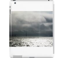 Storm is coming, Bridge in San Francisco iPad Case/Skin