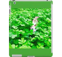 """Cat - Mistic playing """"Pic a Boo"""" iPad Case/Skin"""