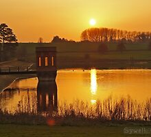 Sunset on Sywell Reservoir by flashcompact