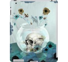 Looking glass skull in fish bowl  iPad Case/Skin