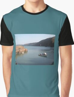 FISHING BOAT IN CLOVELLY HARBOUR DEVON Graphic T-Shirt
