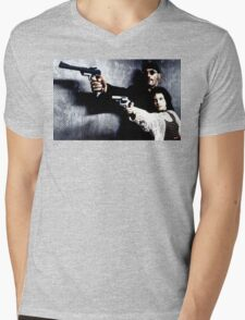 leon the professional Mens V-Neck T-Shirt