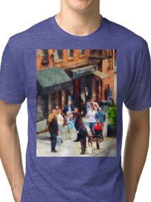 Manhattan NY - Crowded Sidewalk in New York Tri-blend T-Shirt