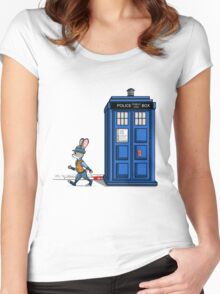 The Tardis Gets A Ticket Women's Fitted Scoop T-Shirt