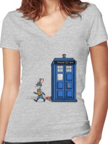 The Tardis Gets A Ticket Women's Fitted V-Neck T-Shirt