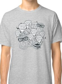 White roses and owls Classic T-Shirt