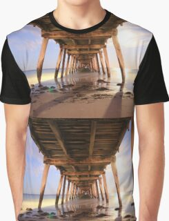 Grange Jetty: An early start before sunrise Graphic T-Shirt