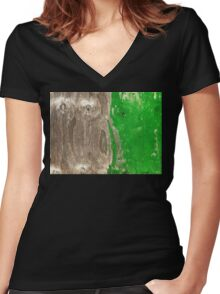 Distressed wood Women's Fitted V-Neck T-Shirt