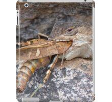 Crevice Lizard vs Grasshopper iPad Case/Skin