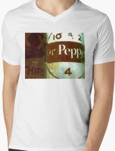 VINTAGE DR. PEPPER Mens V-Neck T-Shirt