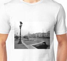 Venezia Canal in Fog Unisex T-Shirt