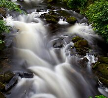 Welsh falls by Dave Hare